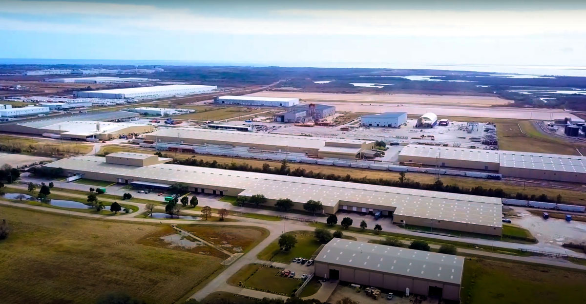 CenterPoint's Baytown Intermodal Center spans four rail-served buildings, covering a total of more than 1.2 million square feet, proximate to Port Houston's bustling container terminals.