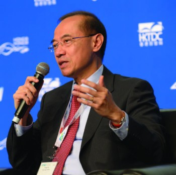 George Yeo, Chairman of HK based Kerry Logistics, speaks at the Asian Logistics & Martime Conference