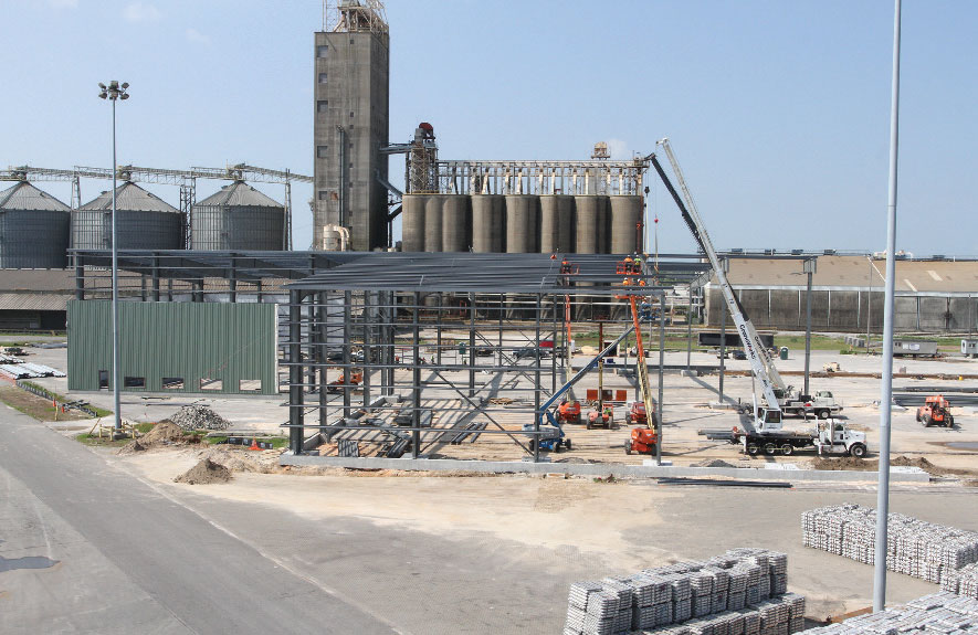 Alabama Steel Terminals' new facility for handling steel coil begins to take shape at the Port of Mobile.