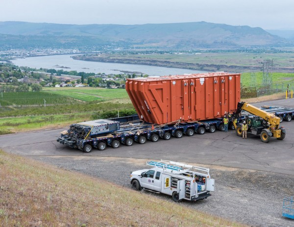 Contractors Cargo Co. purchased and operated a 105 foot long, 16 foot wide, 270,000 pound SPMT for the transformers final 8 hour journey to the Celilo Generating Station.