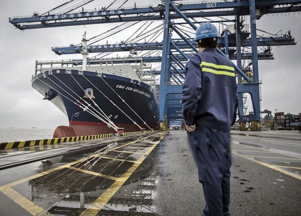 CMA CGM's Benjamin Franklin, with a capacity of 18,000 TEUS, moors at Port of Nansha, which easily accommodates such megavessels.