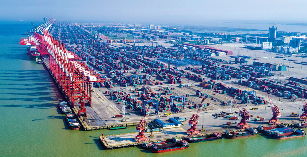 On the west side of South China's Pearl River Delta, Port of Nansha offers three terminals providing a total of 16 containership berths spanning 18,750 linear feet.