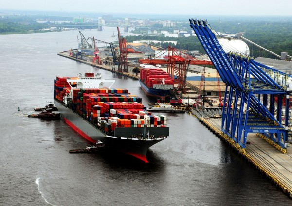 North Carolina Ports' Port of Wilmington gets its first call from THE Alliance's EC2 container service with the May arrival of Yang Ming's Helsinki Bridge.