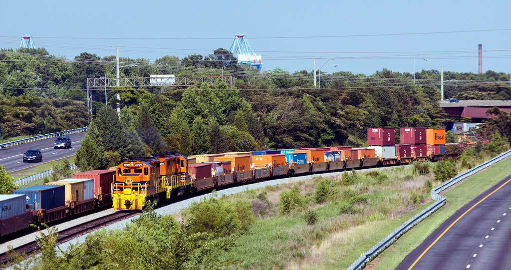 Genesee & Wyoming's Commonwealth Railway serves as a vital part of the intermodal supply chain, linking Port of Virginia's Portsmouth facilities with Class I railroads.