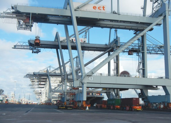 According to some estimates, fully-automated quay cranes in terminals like Rotterdam have cycle times that are 20% to 30% longer than those that are semi-automated.