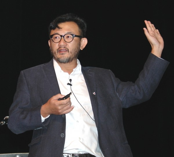 Tan Hua Joo, consultant for Alphaliner, expects independent container lines to continue to struggle but to succeed in staving off bankruptcy. (Photo by Paul Scott Abbott, AJOT)