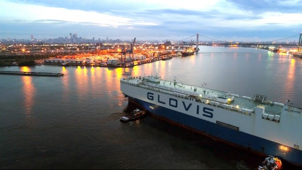 The m/v GLOVIS Comet heads to the Port of Philadelphia's new Pier 122 auto berth, which provides PhilaPort its second quay for import and export of vehicles and other roll-on/roll-off cargos.