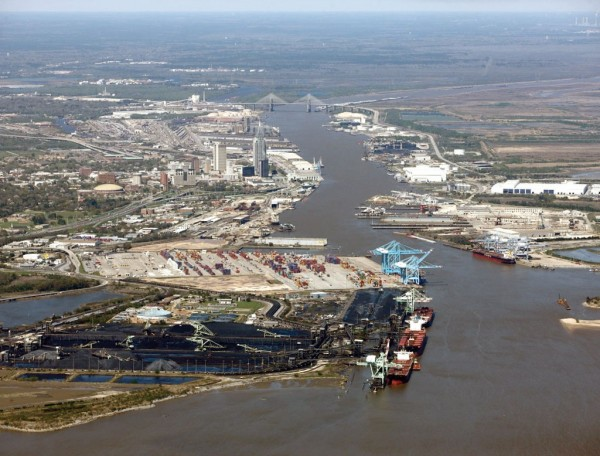 The Alabama State Port Authority's Port of Mobile is undergoing expansion of container-handling facilities, as well as roll-on/roll-off terminal development.