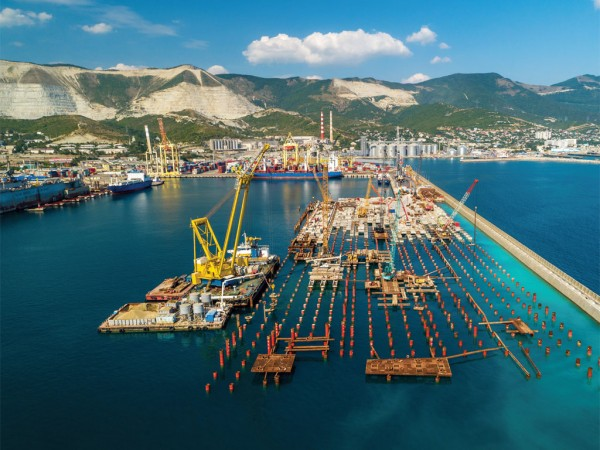 Construction at NUTEP new deep water terminal at berth 38, Novorossiysk Port