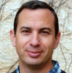 Zvi Schneider – Freightos CEO