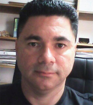 Gonzalo Salinas, iQonsulting