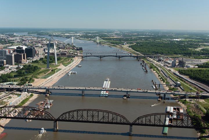 Barge traffic on the Mississippi River