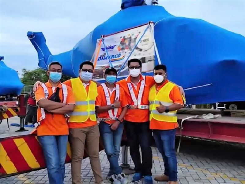 The Dimerco team coordinated customized lashing of accessories with 2 Wing Boxes and delivered 3 helicopters to West Jakarta.