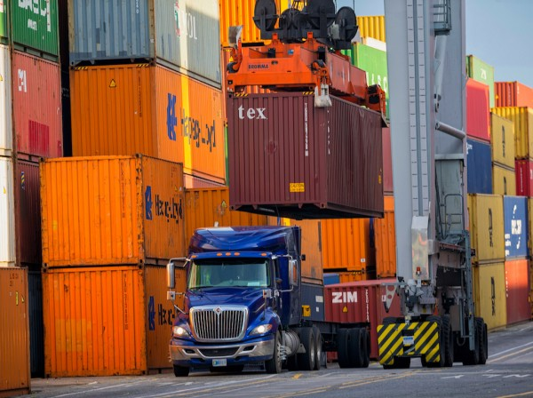 For the first quarter of Fiscal Year 2019, the Port of Savannah has handled 1.1 million twenty-foot equivalent container units.