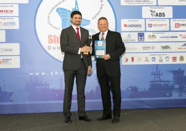 Mr Lars Seistrup, Albwardy Damen Managing Director, accepting the Best New Building Yard Award.