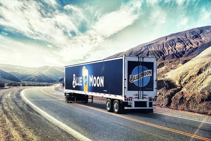 New quick-change graphics system puts Bear Trucking and