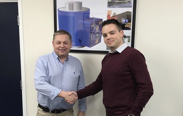 David Ayling, director (left), welcomes Phil Roch, marketing executive, to Straightpoint.