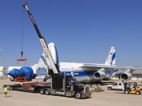 The GE 9X loading on board Volga-Dnepr's AN-124-100 freighter