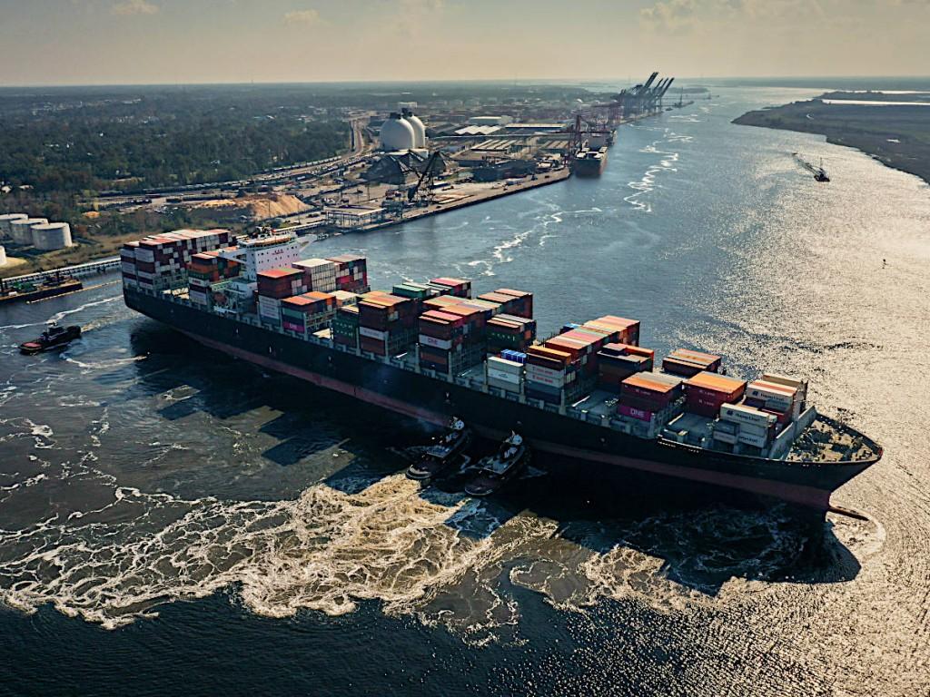 Vessel in Turning Basin - Wilmington Navigational Harbor