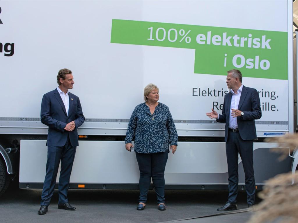 From left to right: Jochen Thewes (CEO DB Schenker), Erna Solberg (Prime Minister of Norway), Knut Eriksmoen (CEO DB Schenker Norway) (Picture credit: DB Schenker)