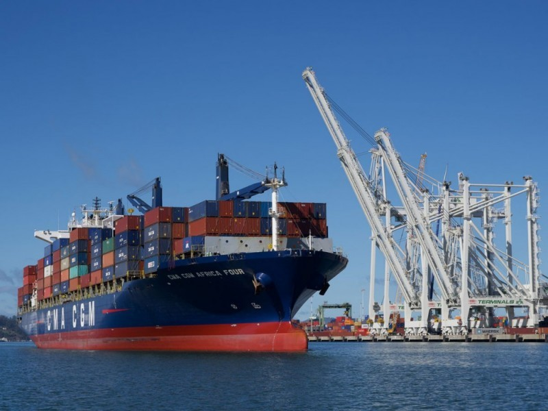 https://www.ajot.com/images/uploads/article/CMA_CGM_first_call_service_ship_at_Oakland-pr.jpg