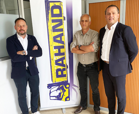 https://www.ajot.com/images/uploads/article/Celebrating_the_acquisition_agreement_are_Laurent_Bernard%2C_VP_Cargo_France_at_WFS%2C_Peter_Caff%2C_former_President_of_R.A_.HAND%2C_and_Hugo_Rodrigues%2C_newly_appointed_Vice_President_of_R_.A_.HAND__.jpg