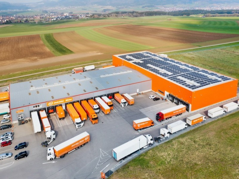 https://www.ajot.com/images/uploads/article/Gebrueder_Weiss_Solar_Aldingen_online_size.jpeg