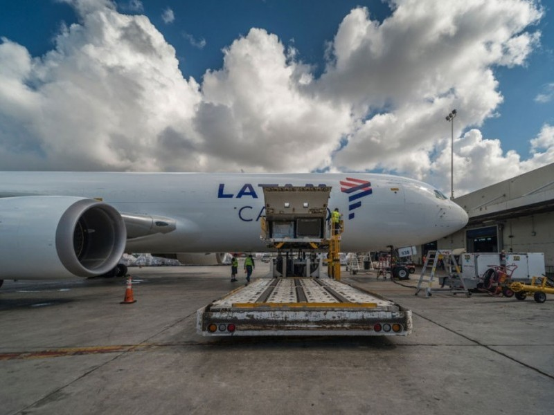 https://www.ajot.com/images/uploads/article/LATAM-Cargo-fleet.jpg