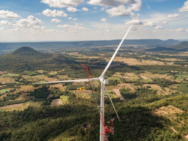 https://www.ajot.com/images/uploads/article/mammoet-crane-windmill.jpg