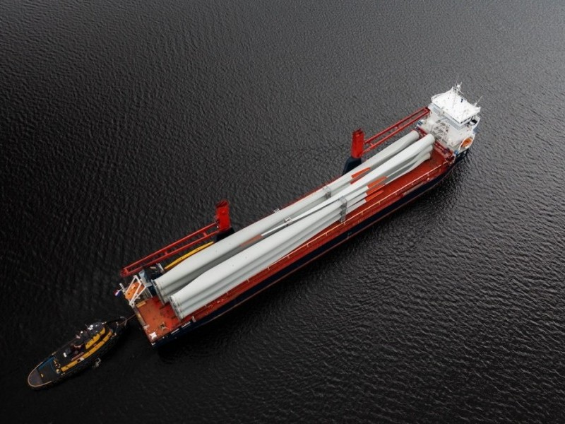 https://www.ajot.com/images/uploads/article/st-lawrence-seaway-wind-blades-aerial.jpg