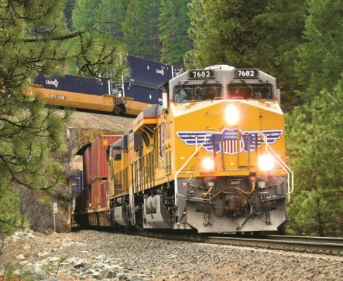 Union Pacific Drops Most in 7 Years as Pricing Power Wanes   AJOT.COM