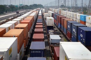 Containers piling up at US rail yards add to port strains