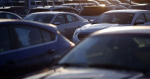 US clashes with Mexico, Canada on car rules in USMCA risk