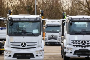 Daimler, Volvo plan to join forces on hydrogen-powered trucks