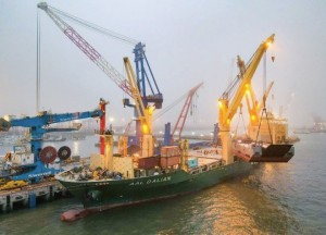 Tide lifts all ships: MPVs boosted by dry bulk sector