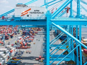 APM Terminals Elizabeth honored by Bi-State Motor Carriers as terminal of the year