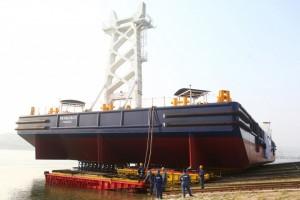 Damen launches Crane Barge in Yichang
