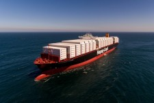Ocean-Shipping Demand Staying 'Very Strong,' Hapag CEO Says