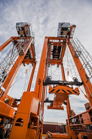Konecranes sends Noell Straddle Carriers to Thessaloniki