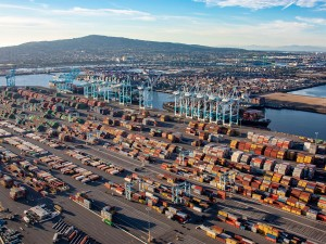 Transpacific rates at a two-month low, as congestion grows on East Coast