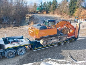 Specialist Trailer Hire (STH) places its trust in Goldhofer