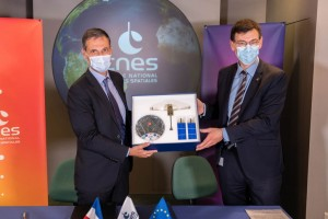 CNES and CMA CGM sign unique partnership agreement