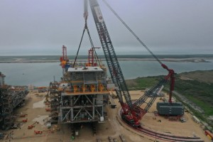 Ale completes 7,000 US-tonne lifts with worlds largest capacity crane