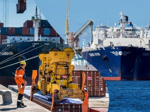 The ports of Antwerp and Zeebrugge to join forces