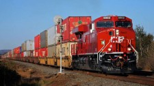 Justice Department urges regulator to nix CP Rail share swap ahead of merger