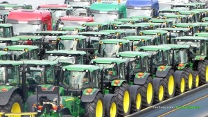 Deere's CEO Calls Out Tariffs and Trade as Profit Disappoints