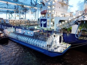 JAX LNG and TOTE complete first renewable LNG bunkering in the US