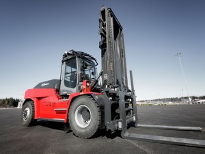 Kalmar and SCA reinforce joint commitment through electric forklift pilot project