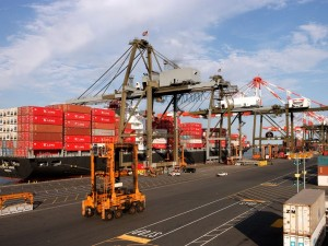 Kalmar further extends cooperation with Maher Terminals with new straddle carrier order