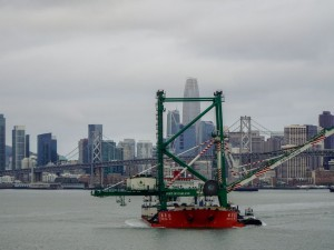 Newest, giant crane at Oakland Seaport began operations